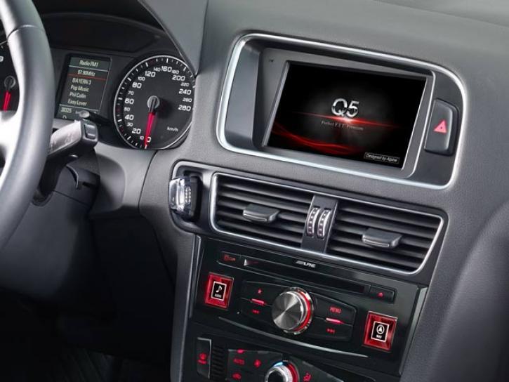 ALPINE X701D-Audi Q5